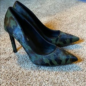 Nine West Camouflage Heels - size 8
